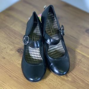 Slouch heeled Mary Janes